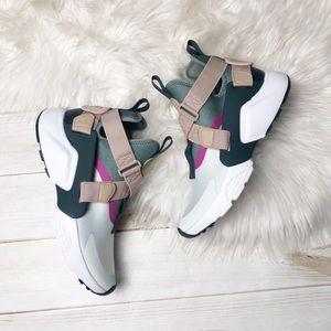 🆕 Nike Air Haurache City Sneaker Size 8